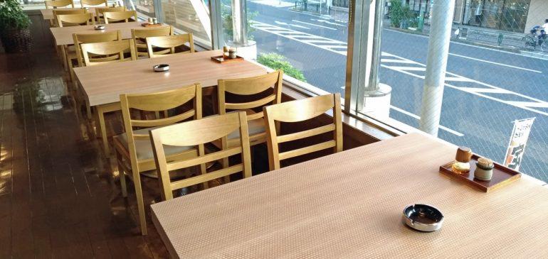 レストランのテーブルをリニューアル